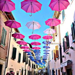 bagnodiromagna ombrelliincittá colorfulpaperplanes gioiadivivere borgoantico labellezza freetoedit
