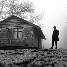 bw bnw fog foggy oldhouse blackandwhite photography bnwphotography bwphotography blackandwhitestreets man waiting standing standingman freetoedit