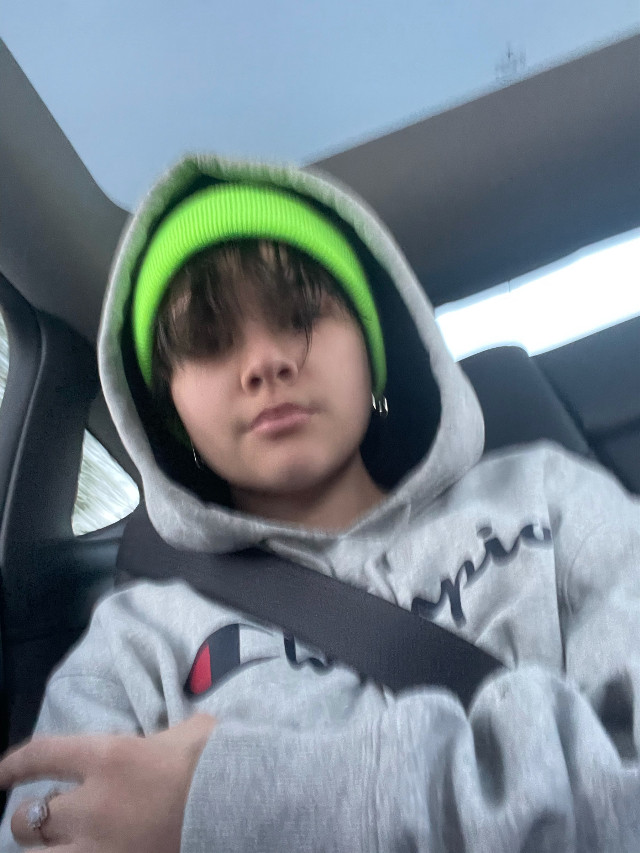 Still cant comment- im going to my friends house so PEACE OUT BITCHES #bai