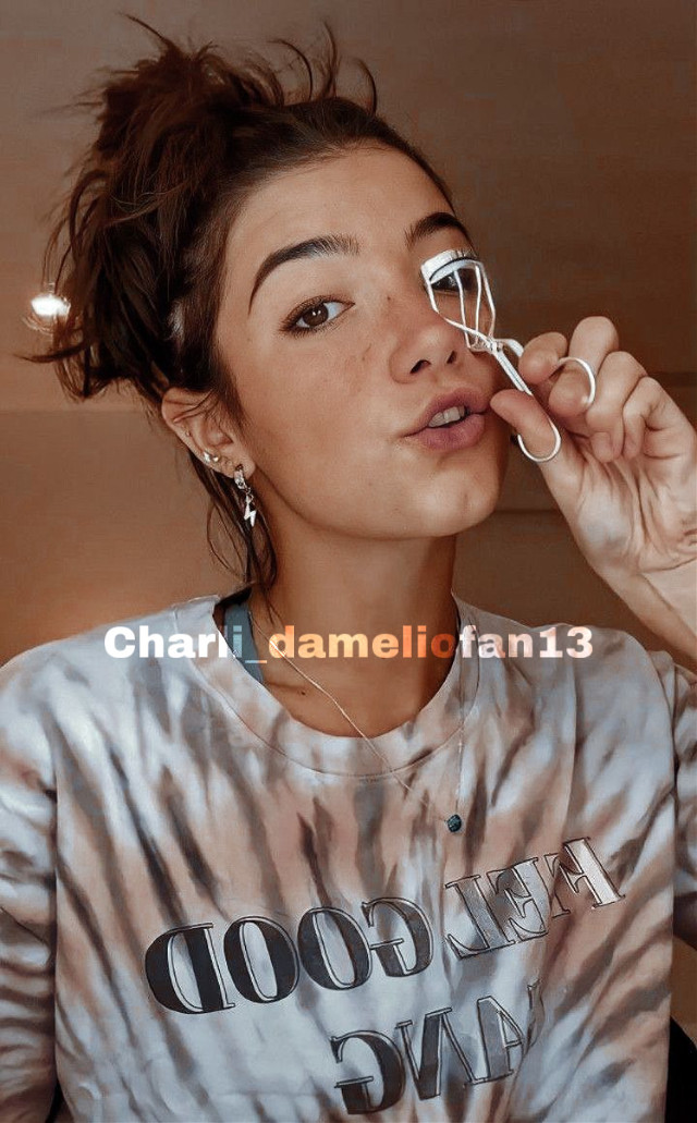 Hi ❤️ #charli