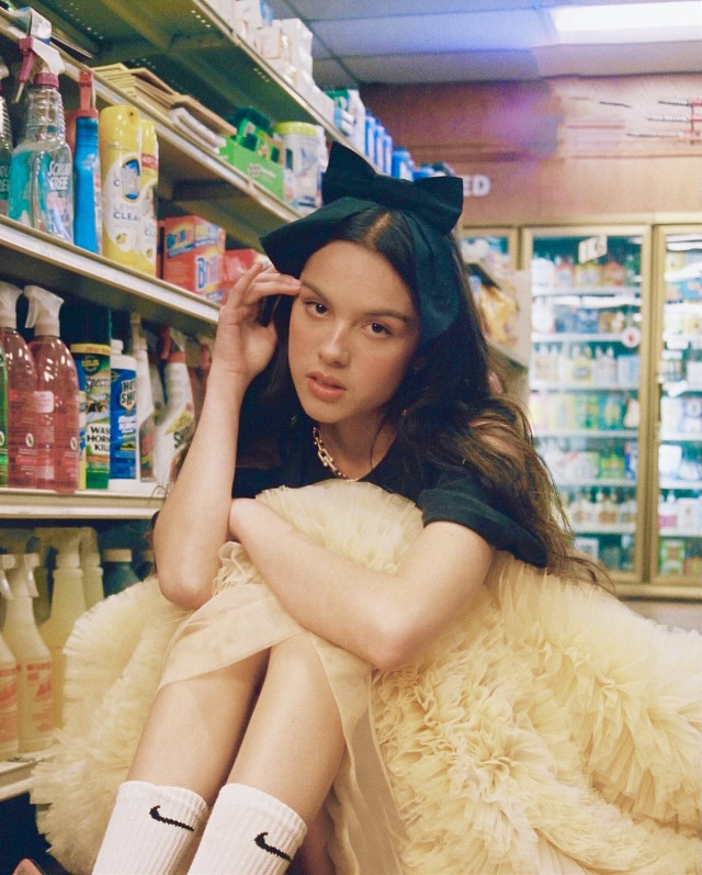 #oliviarodrigo #gasstation #good4u  #good4uoliviarodrigo #oliviarodrigogood4u #beautiful #yellowaesthetic #aesthetic #cute #gorgeous #nike #colorful #fashion #brunette #good4uyoulookhappyandhealthy #music #song #sour #souralbum #souroliviarodrigo ❤️🔥  📋INFO📋  🥰FOLLOWERS🥰: 2,492  🎶SONG OF THE WEEK🎶: brutal -Olivia Rodrigo  REMIX RULES 🎟-TO ENTER THE COMPETITION ALL YOU HAVE TO DO IS REMIX ANY PHOTO ON MY PAGE OR USE ONE OF MY STICKERS! 🤹🏻♀️-NOTE THAT YOUR REMIX CAN ONLY WIN IF IT IS NOT A REPLAY! IN OTHER WORDS, IT CANNOT BE A REPLAY. 🥇-THE WINNER GETS A LIKE SPAM, FOLLOW, AND THEIR PHOTO POSTED ON MY PAGE FOR A WEEK WITH A SHOUTOUT! 🎤-INCREASE YOUR CHANCES OF BEING PICKED BY MAKING YOURSELF NOTICED! (LIKE SPAM, FOLLOW, COMMENT...) 🏆-BONUS! ADD #favoritethree FOR AN EVEN BETTER CHAMCE OF BEING NOTICED! I WILL CHECK THE #favoritethree PAGE FIRST WHEN I AM PICKING WINNERS NEXT MONTH!  😋STICKERS!😋 🎼-COMMENT THE TITLE OF ANY SONG ON MY MOST RECENT POST AND I WILL MAKE IT A SONG STICKER FOR YOU! (pretty much every ariana grande song sticker is on @arianajogrande) 📸-COMMENT 'POLAROID' ON ANY IMAGE ON MY ACCOUNT AND I WILL MAKE IT A POLAROID STICKER FOR YOU! 😎-COMMENT ANY EMOJI AND I WILL MAKE IT A MEMOJI STICKER FOR YOU! (IF THE MEMOJI EXISTS OBVIOUSLY)