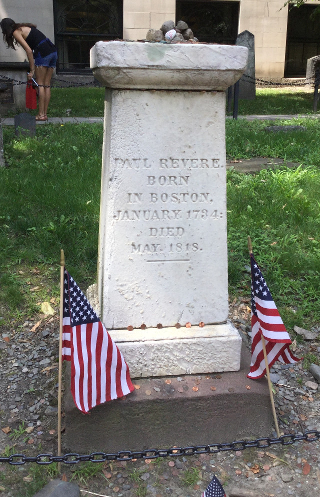 I went to boston yesterday 😝 I didnt get any good pictures tho, but here's a picture of Paul Revere's grave! (Actually, i think this is his memorial, his grave is right next to it on the right)                                                           #boston #paulrevere