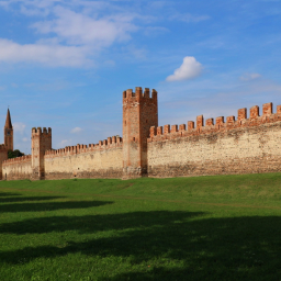landscape history architecture medievalarchitecture walls oldwalls towers meadow grass borghipiubelliditalia montagnana italy local